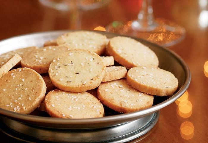 Krakersy sezamowe