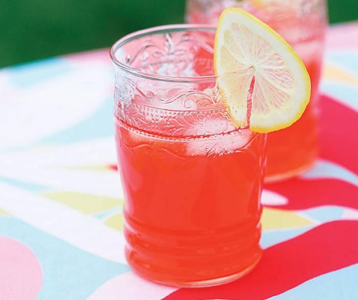Lemoniada truskawkowa
